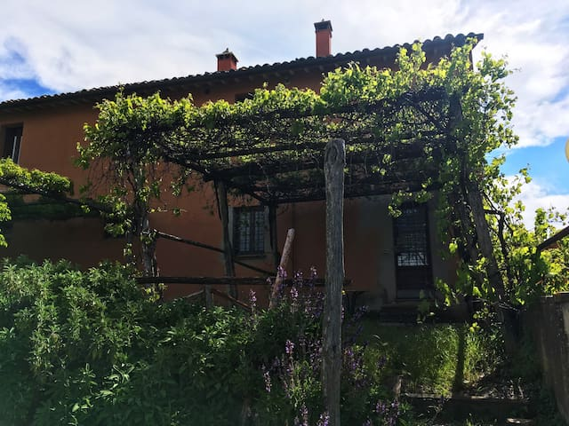 Appartamentino con vista sulla campagna umbra