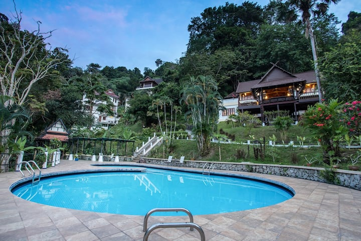 ✨✨Patong Seaview Pool Modern Thai Villa, 4BR✨✨