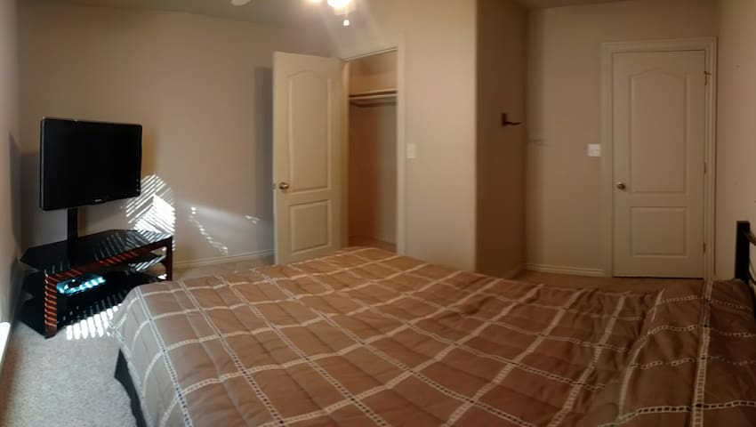 Private Room, Projector, Gym, Pet Friendly - Fayetteville - Hus