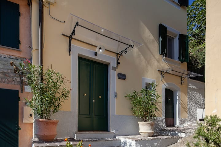 Pietrantica affittacamere sulle alture di Lerici
