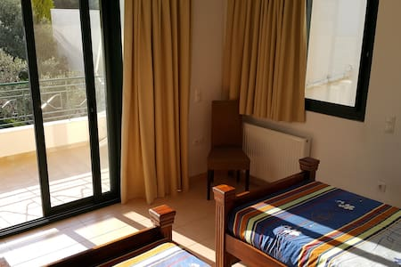 Quality room within private house. - Patras - B&B/民宿/ペンション