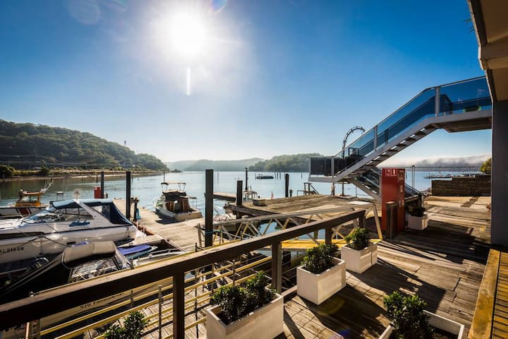 Hawkesbury River Marina Apartment, Brooklyn NSW