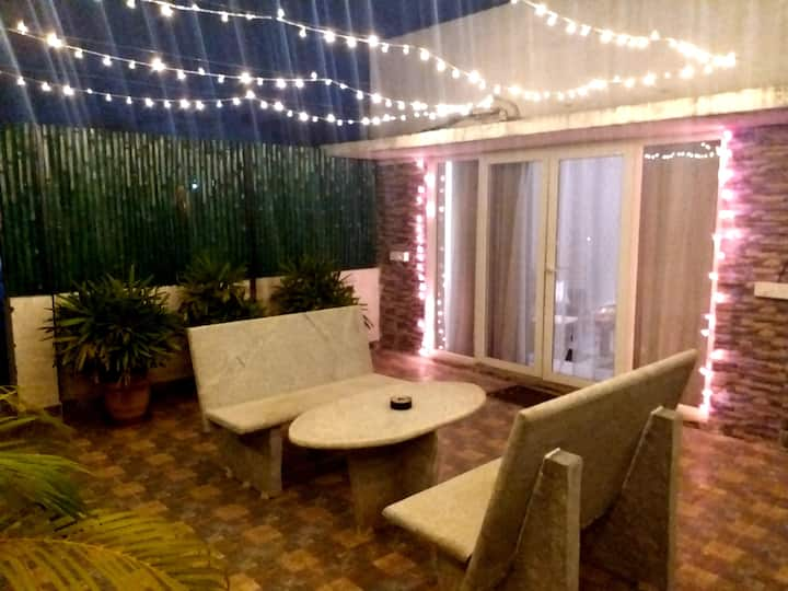 STUDIO ROOM WTH PRIVATE TERRACE @OMR THORAIPAKKAM