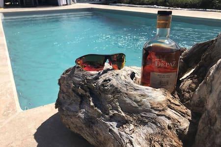 Jolie villa créole, piscine privée et jacuzzi