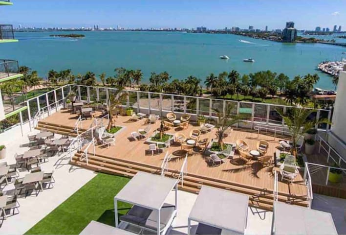 Miami beach view - room in awesome apt