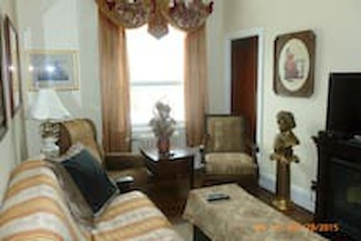 Art-Deco Heritage Suite - In the Heart of Nelson - Nelson - Apartmen
