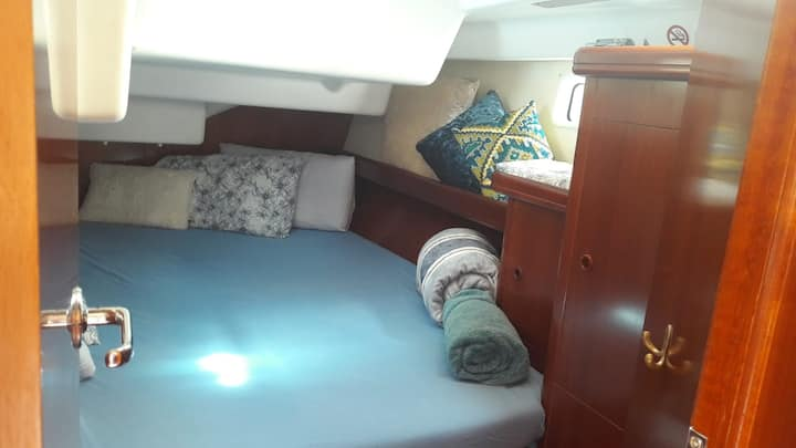 50 ft Yacht double cabin