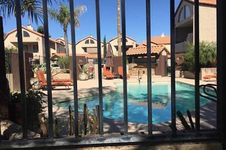 Master Suite, Great Location, Pool, Hot Tub! WIFI - Paradise Valley - Appartement en résidence