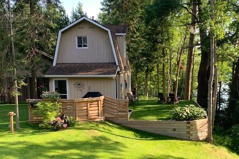 Guest Cottage Retreat in Callander Bay