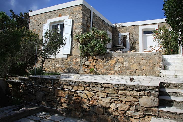 Stone House in Cyclades, Schinoussa Island - Almiros - Huis