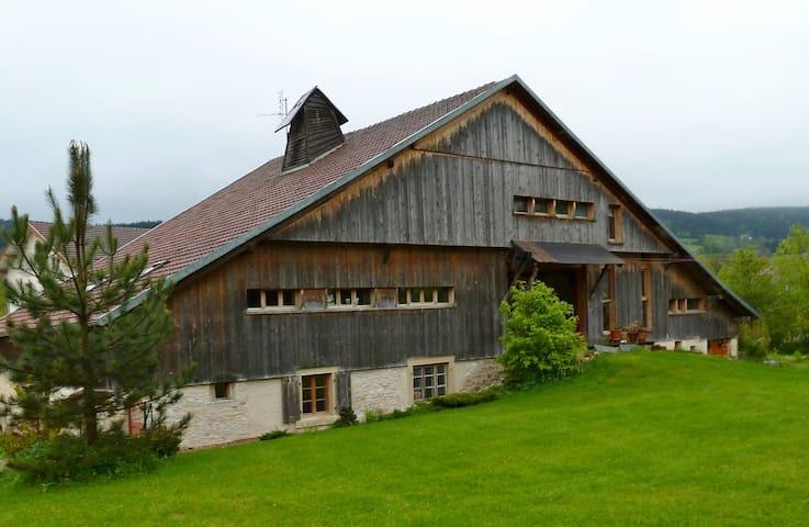 Appartement dans ferme comtoise Haut Doubs - Grand'Combe-Châteleu - Lägenhet