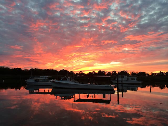 Perfect Chesapeake Waterfront Room
