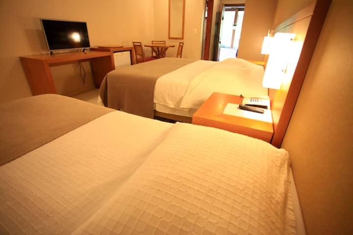 Apartamento triplo em Hotel Pousada Querência