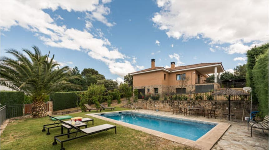 Villalua with pool in Madrid 1-10 - Valdemorillo - Villa