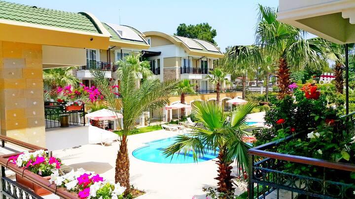 Апартаменты со своим пляжем.