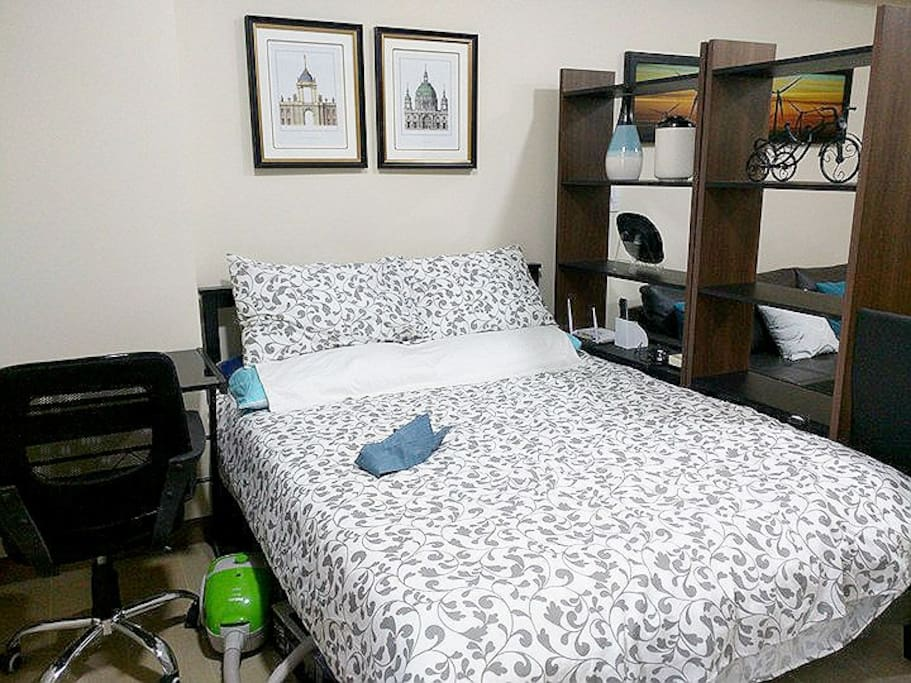 1 Qeen Size Bed + 1 Folding Bed