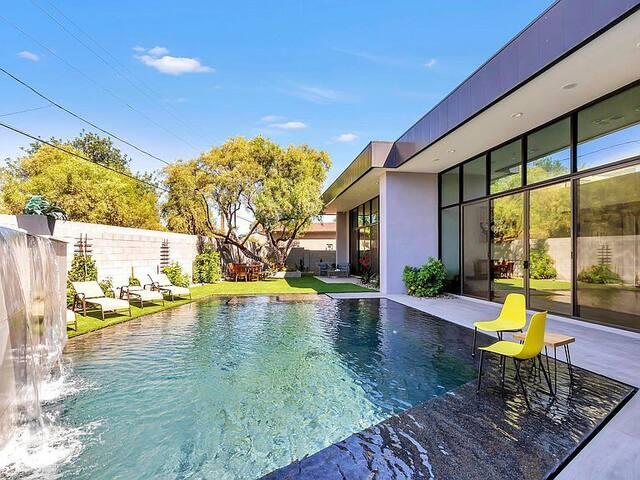 Collector's Luxury Contemporary Villa