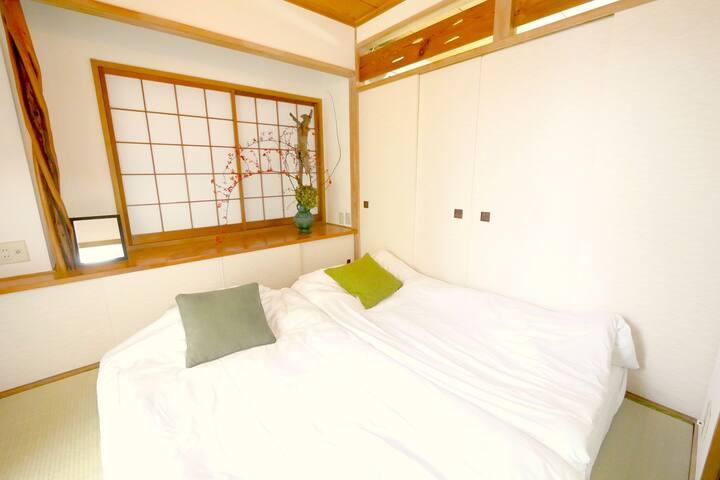 A5: SALE  3BEDROOM & Relaxing Peaceful Room