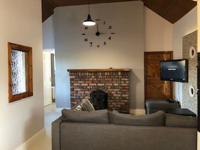 Newly renovated open plan Christmas Cottage