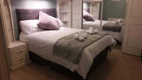 Double Room, Near QE hospital & University Of Bham