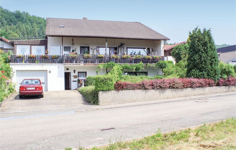 Holiday apartment with 2 bedrooms on 90m² in Rodalben