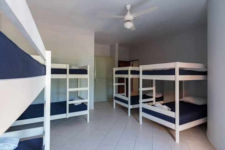 Laguna Park Hostel Shared Room 7a