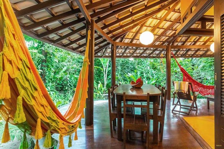 Casa Pitanga - Varanda com redes