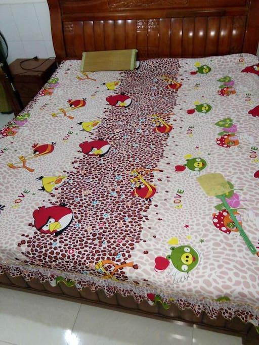 独立卧室和床铺     Independent bedroom and bed