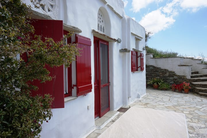 Traditional village house in Triantaros