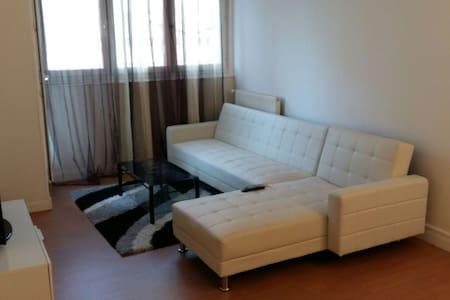 Beau appartement propre confort. - Aubervilliers - Byt