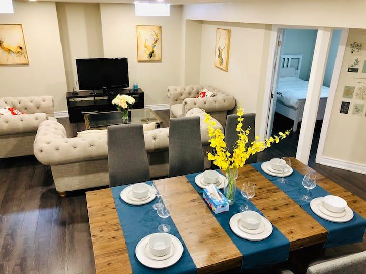 spaciuos 2BD 3-6 ppl homestyle BSMT豪宅精装带窗地下一层130平