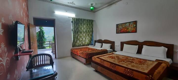 Deluxe 4 Bed Room