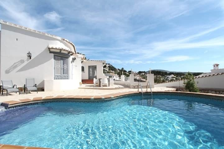 Charming villa with various terraces and private swimming pool in Moraira
