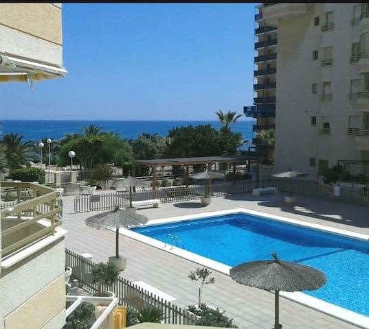 Vista al mar+piscina+garaje en Campello (Alicante)
