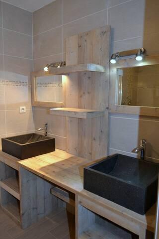 badkamer in Le  Châtaignier