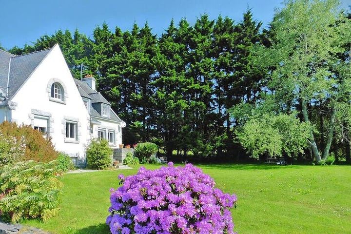 4 star holiday home in Morgat