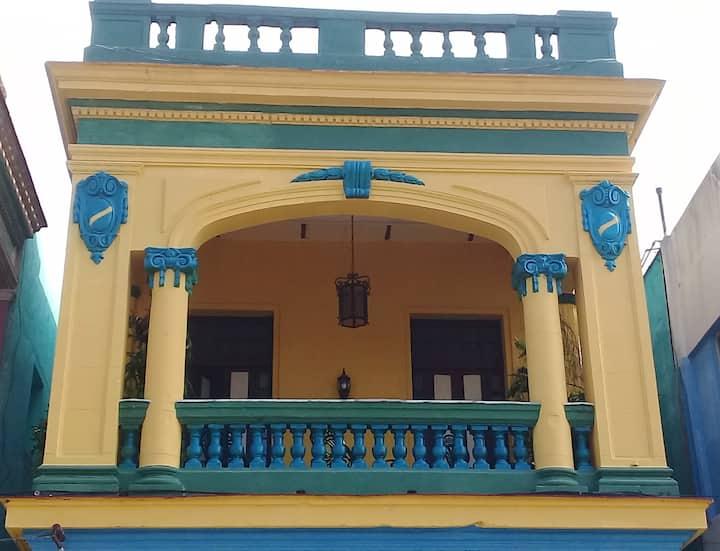 Casa de Oralia Estilo Colonial 1933. Anuncio 1.