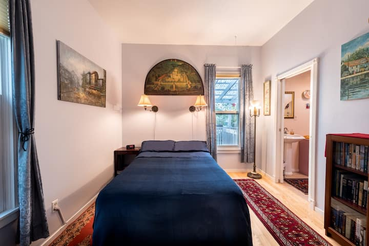 Cosy, close in SE Victorian private room & bath
