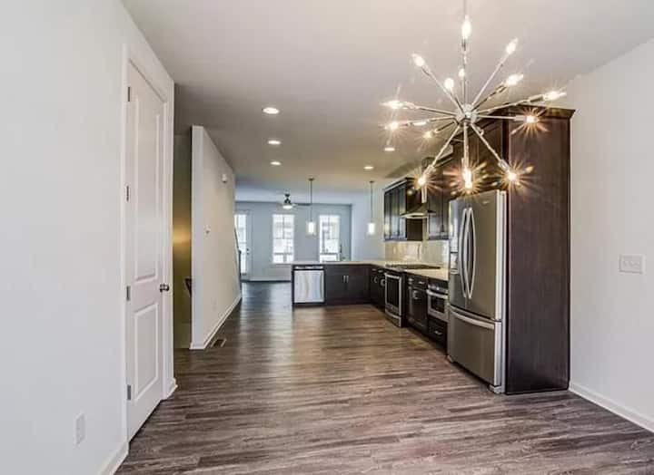 Grant Park 3-bedroom Townhouse for Long Term
