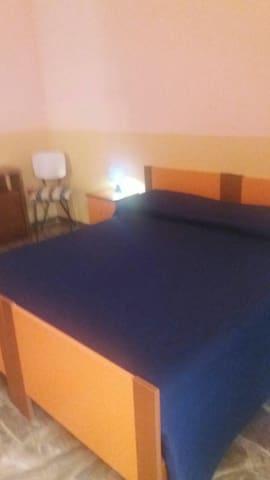 1^ Camera da letto per 2 persone. Letto divisibile in singili