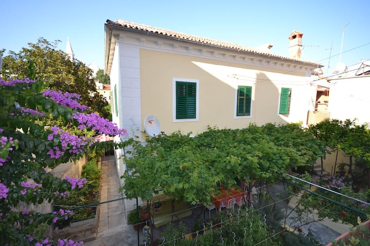 Captain's House-free parking - Mali Lošinj - Pis
