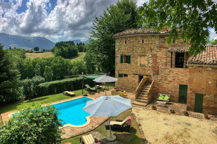 Villa in le Marche with private swimming pool
