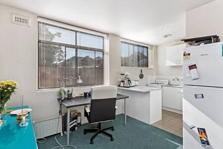 Bright, peaceful apartment - Moonee Ponds