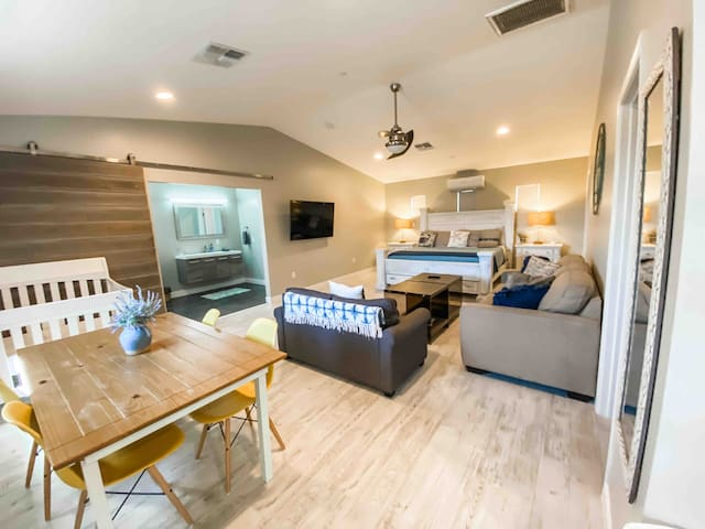 Huge Guest-House with Separate Parking & Entrance