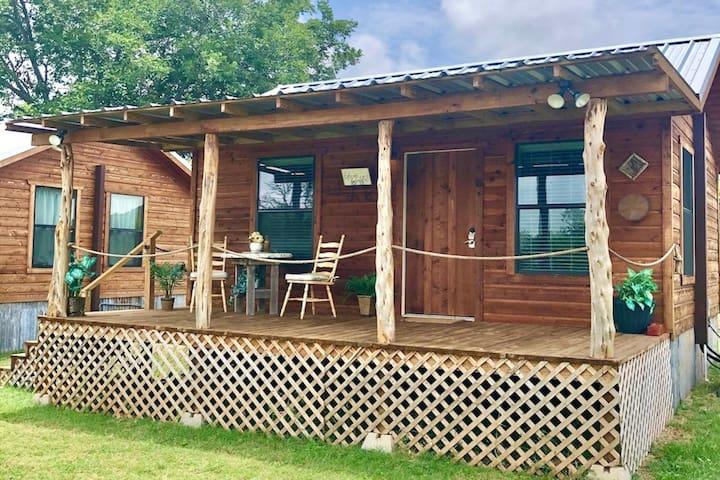 Cozy Wine Country Cabin #6 Fredericksburg, TX