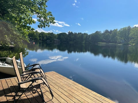 Idyllic lake house on Robinson Pond Copake