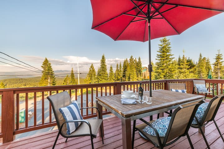 Skislope Chalet: Unforgettable Views and Dogs OK
