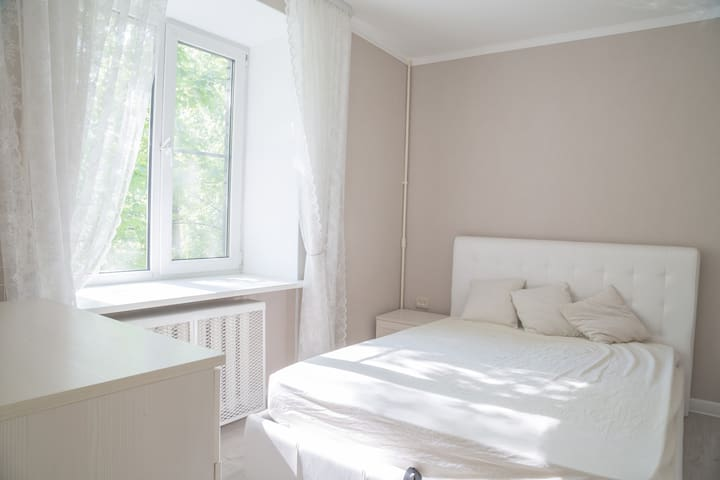 2 room apartment near the metro