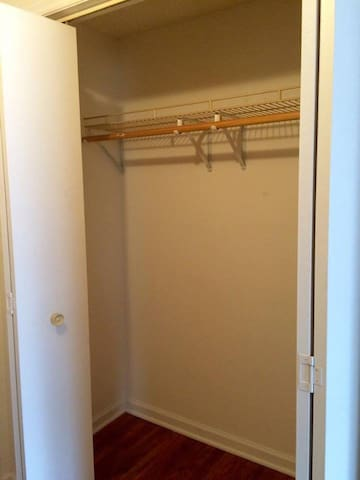Room & Bath-Common Areas With Owner & 2 Kind Dogs - Mount Carmel - House