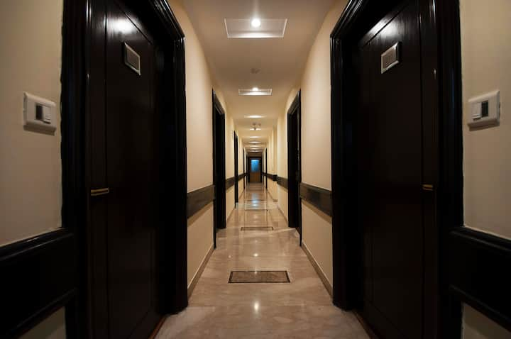 Spacious Room In Nehru Place with Modern Amenities
